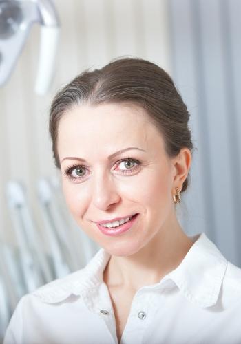 Zobārstniecības īpašniece Dr. Jūlija Katkeviča
