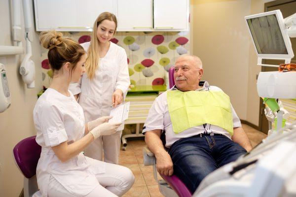 Kas ir zobakmens un kā ar to cīnīties?
