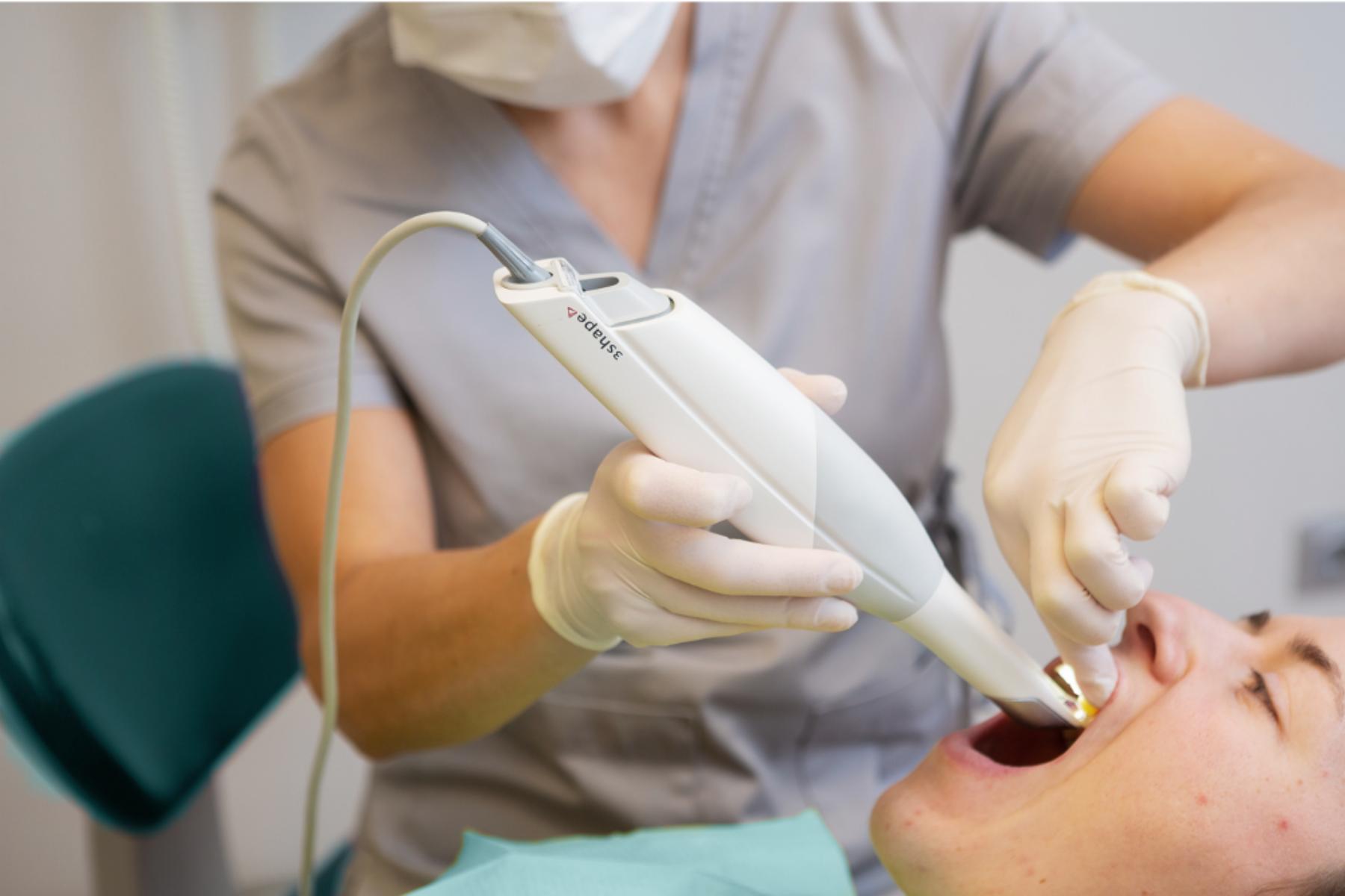 skeneris tiek izmantots zobārstniecības ikdienā