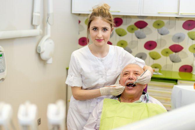 Kas ir zobu higiēnists un kā viņs jums var palīdzēt?